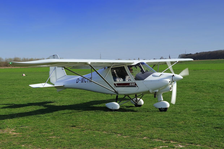 aircraft-2175758.jpg