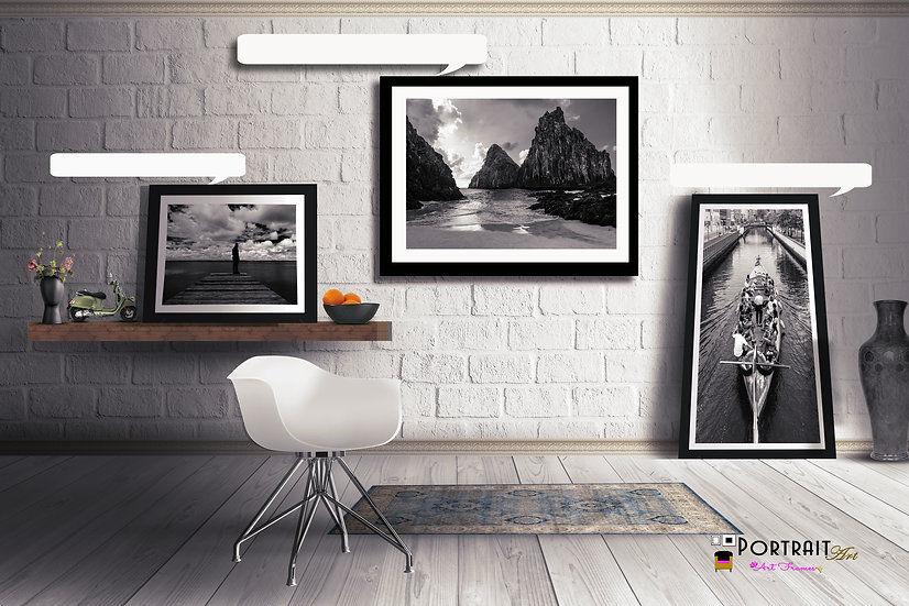 Ambiente decorado com quadros PortraitArt, todos em preto e branco.