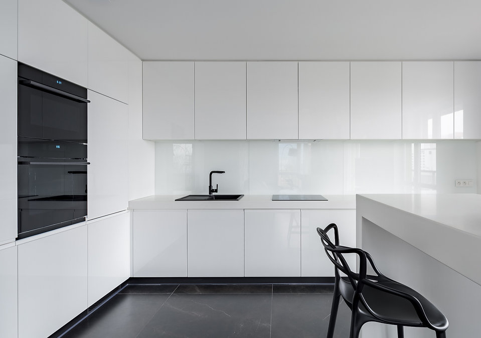 CONTEMPORARY%20WHITE%20GLOSS%20KITCHEN%2