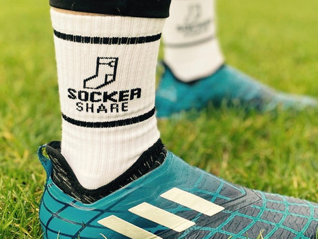 Socker Share: Crew Socks that Make a Difference