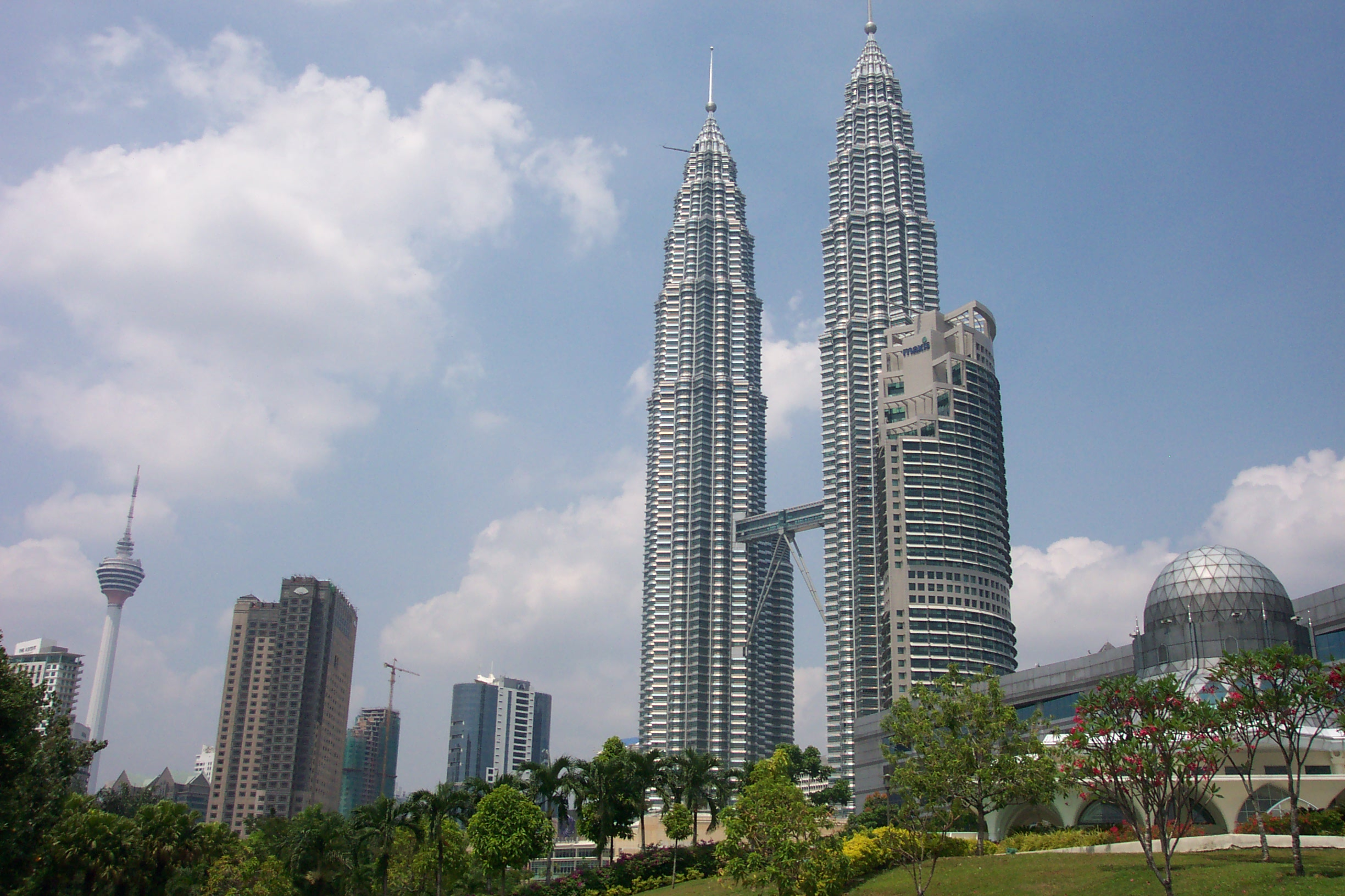petronas-towers-1229069