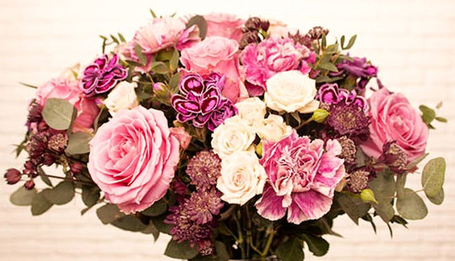 bouquet-elegance-550x550-37126-005_edited.jpg