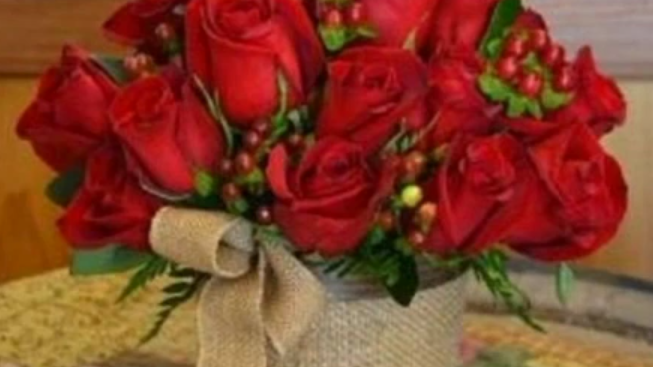 composition roses rouges