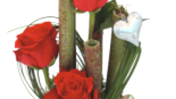 composition roses bambou