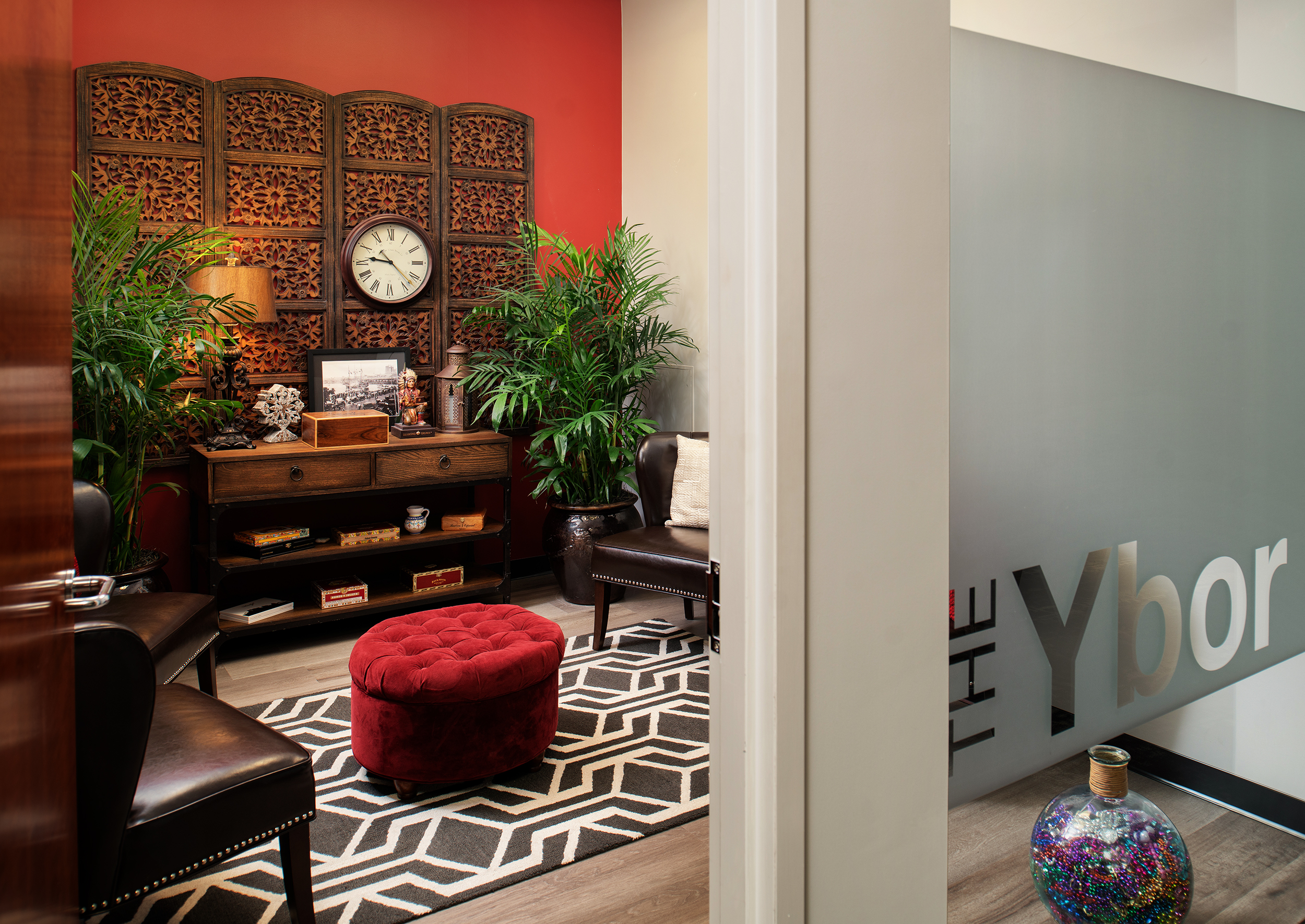 Create+Co : Vaco-Ybor Meeting Room
