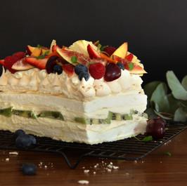 Pavlova Torte