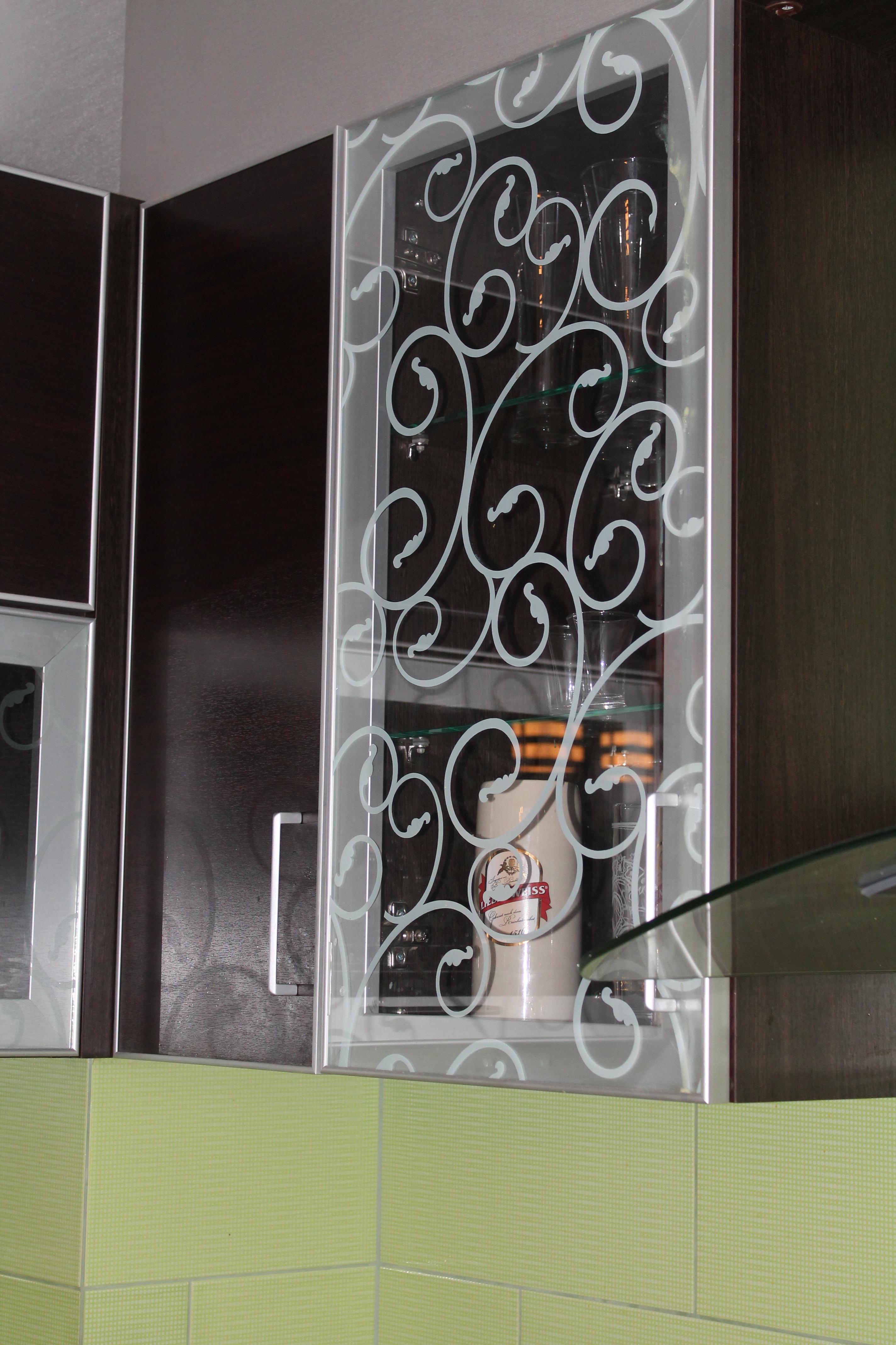 кухни фото Чебоксары стекло с рисунком.JPG