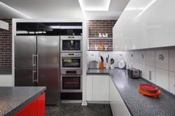 кухонные гарнитуры красного цвета.jpg