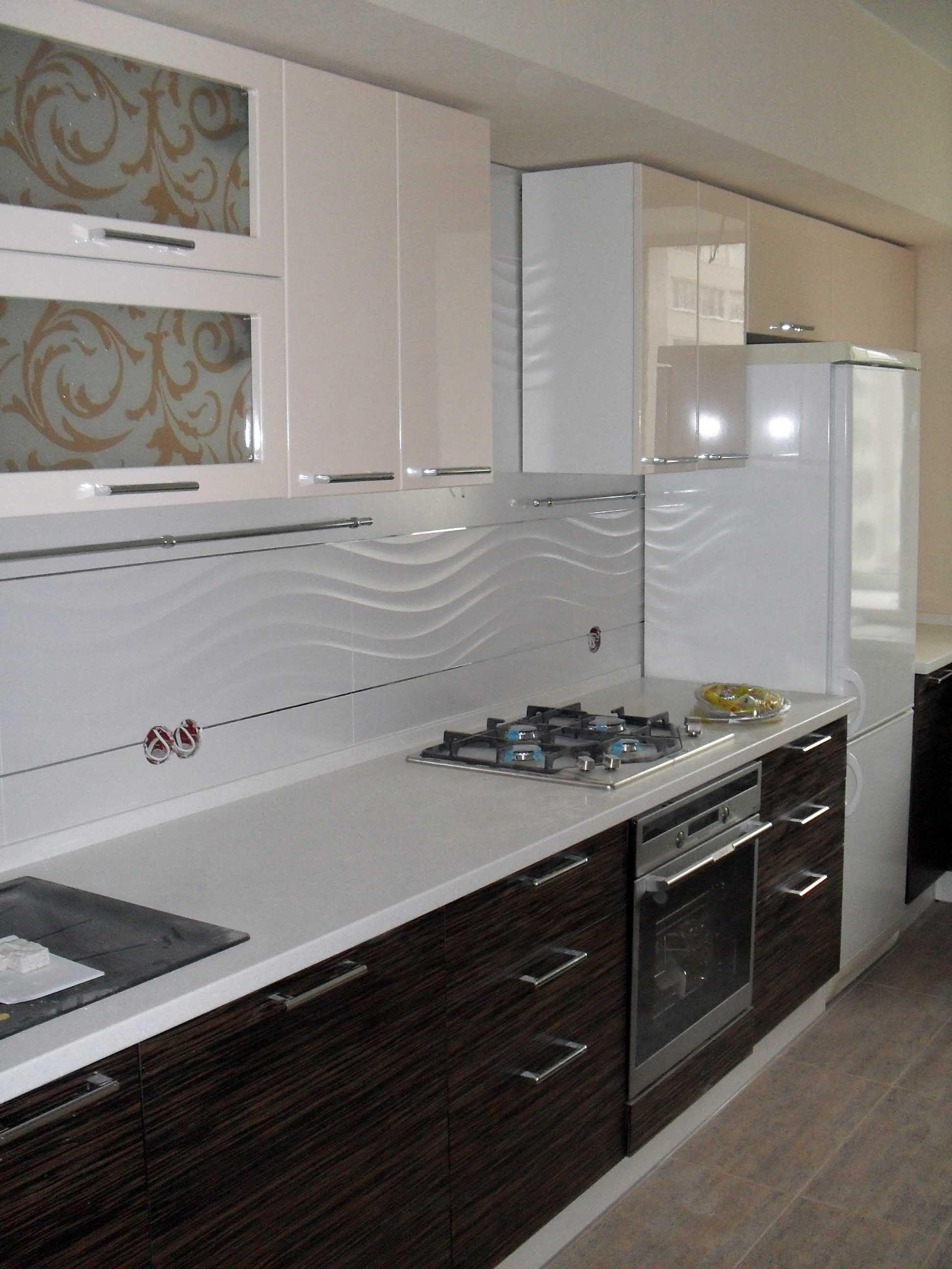 кухня эмаль и шпон дерева
