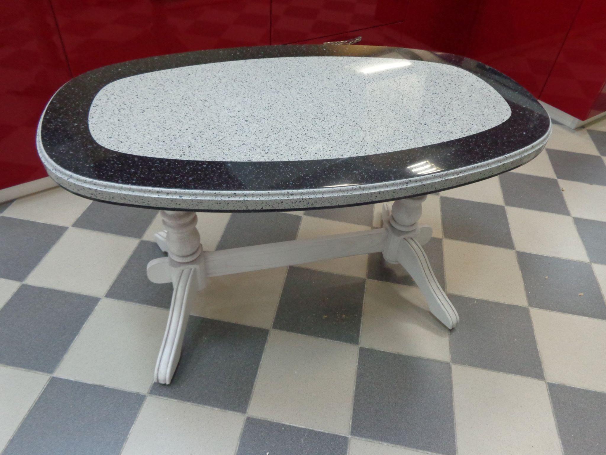 обеденный стол из камня.jpg