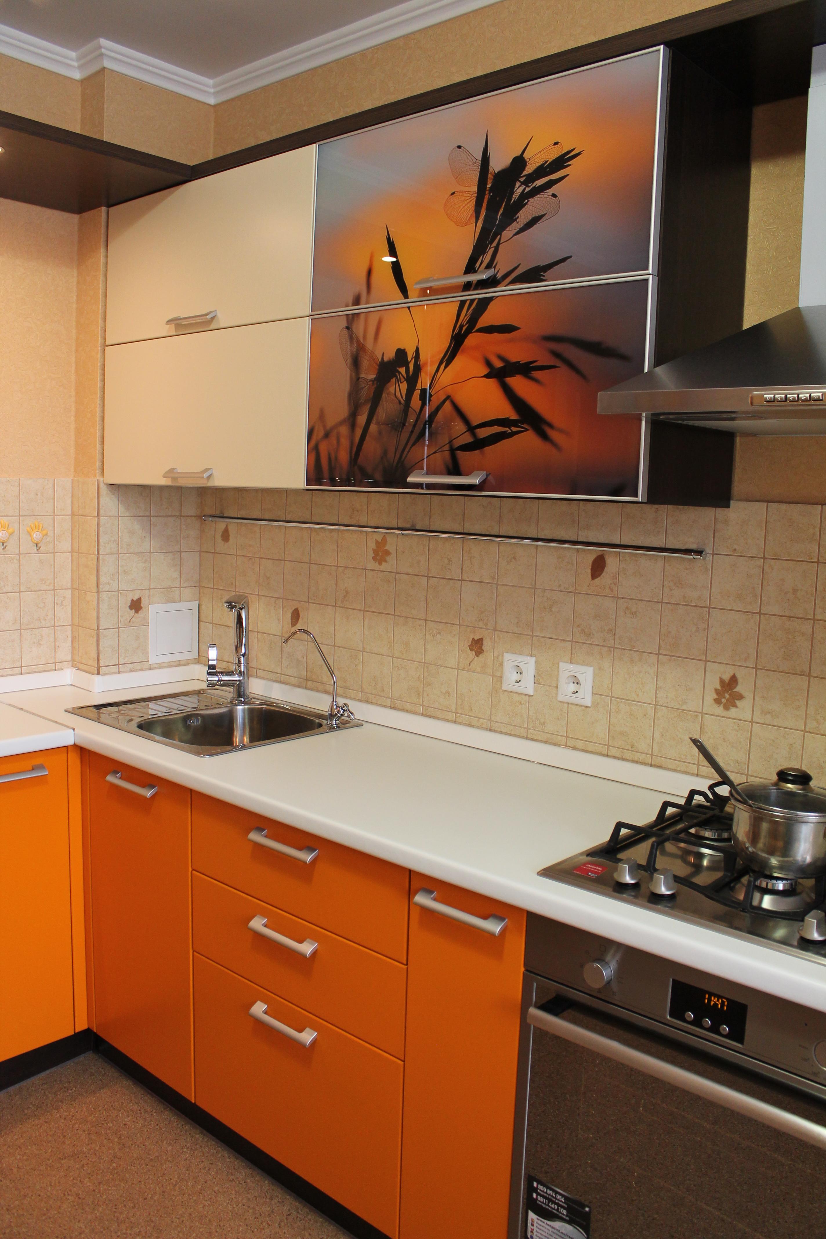дизайн красной кухни чебоксары.JPG