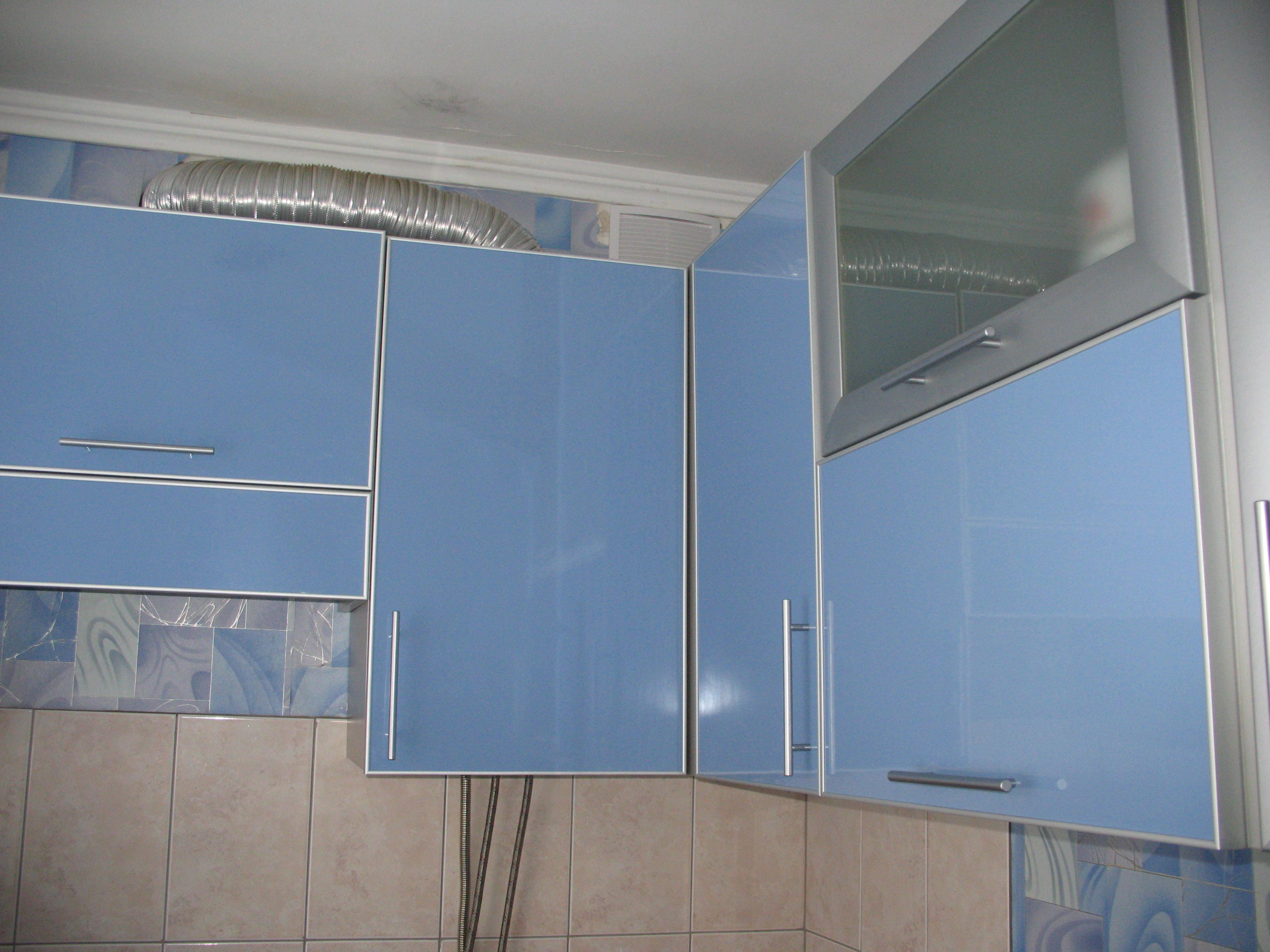 кухня в алюминиевом профиле