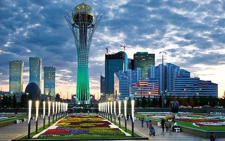 Astana de nuit.jpg