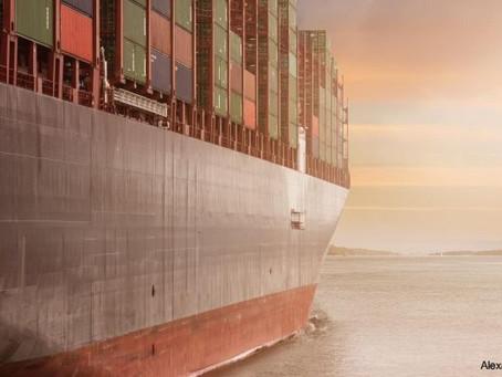 هل انتهت مشكلة قناة السويس وتأثيراتها على النقل البحري العالمي؟