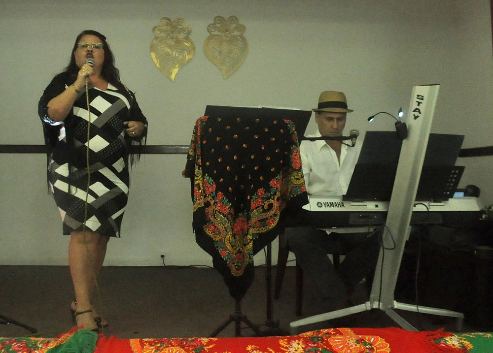 "A Cantora Vera Lucia e Marcos Victor do ""Fado por Acaso"" animaram a festa"