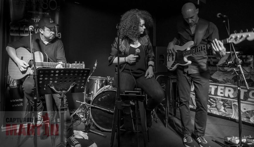 Juliane Di Sisto & The Family Jewelz Trio