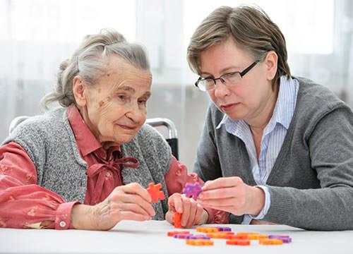 Causas de la demencia en personas mayores