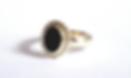 Trouwring vermaken pareldraad goud ovale edelsteen donker blauwe saffier