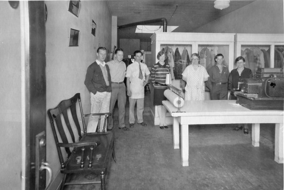 Boyce's Cleaners & Tailors ca1930 (2).jp