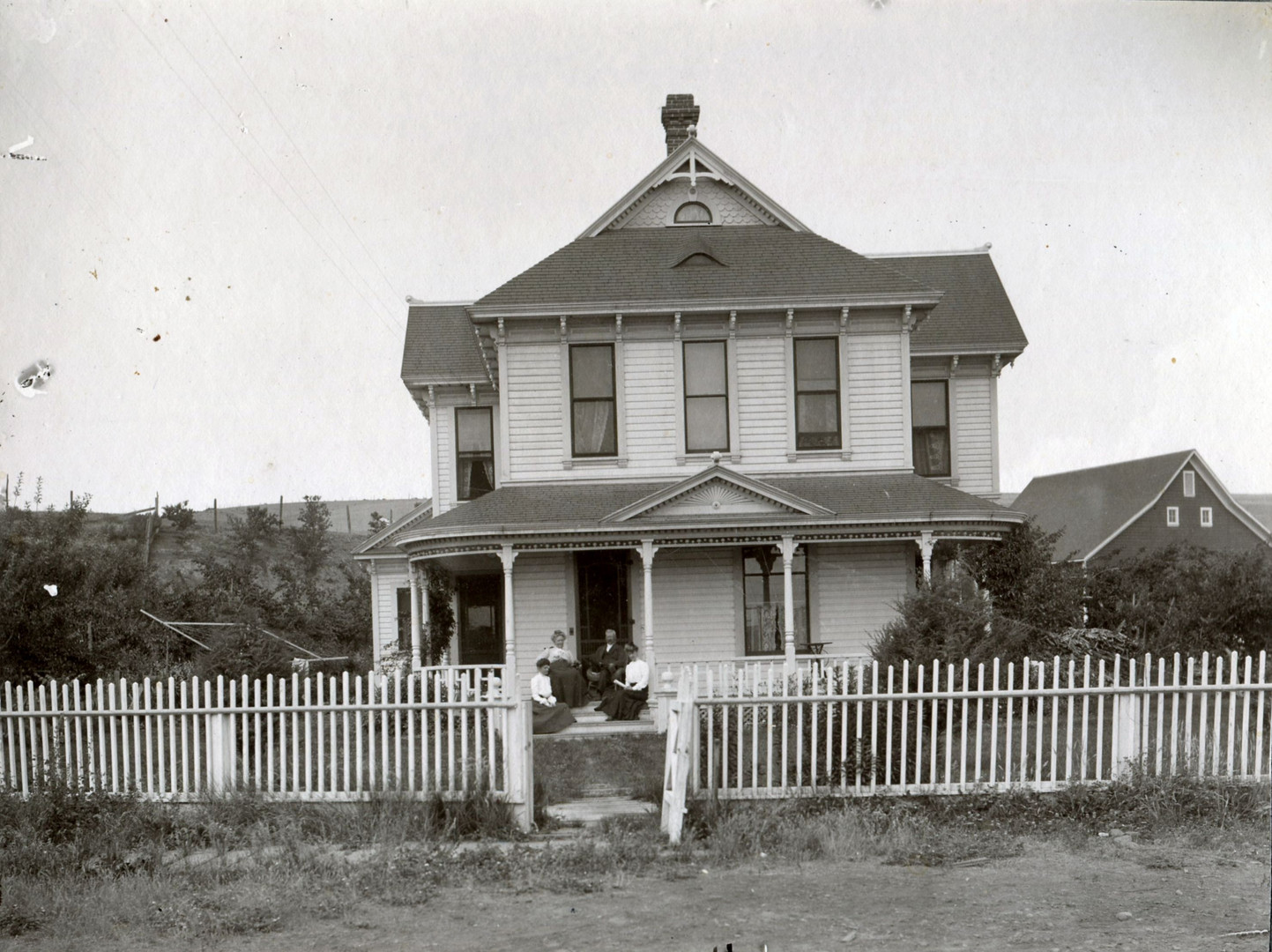Elam house & barn 1897.jpg