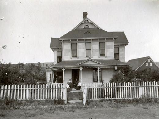 Elam house & barn 1897.jpg