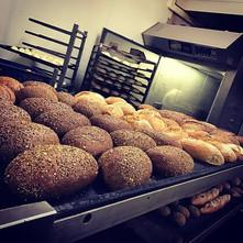 De warme bakker! 1 adres! #bakkerijburez