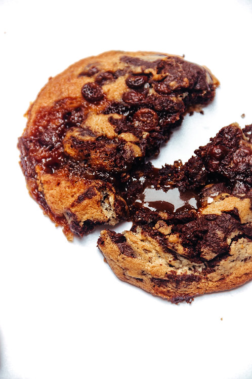 Large Tiger vanilla chocolate caramel cookie