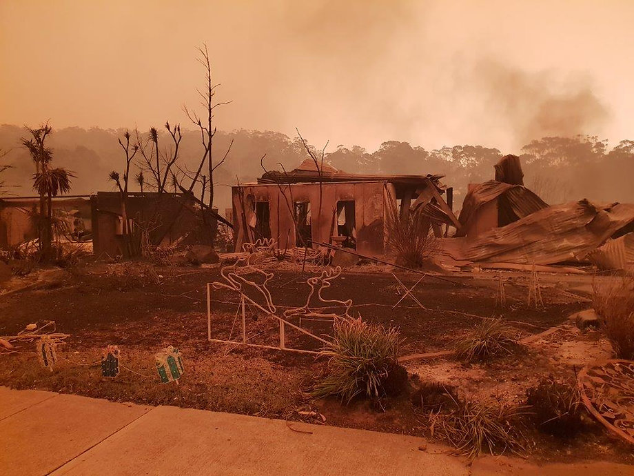2020,fires,south,coast,NSW,sprinkler,system,fire,fighting,bush,fire,protection,rural,domestic,residential,equipment,expert,advice,batemans,bay,malua,rosedale,moruya,bodalla,cabargo,assessments,protection,home,property