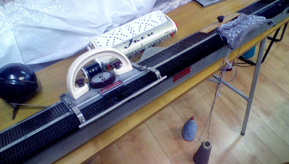 Knitmaster 4500 with Jac