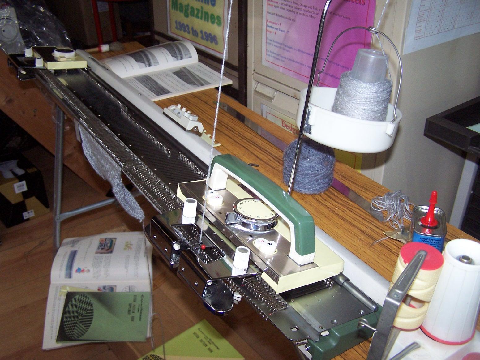 Knitmaster 250