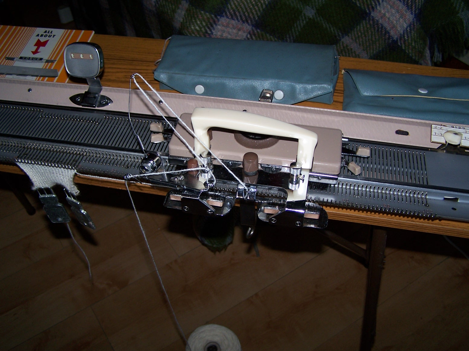 Vogue Knitting Machine Carriage