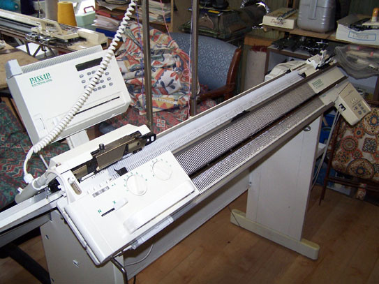 Passap E6000 with 4600 Motor Knitting Machine