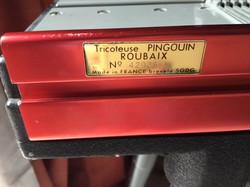 pingouin name plate