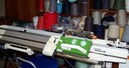 Passap Duo 80 Knitting Machine