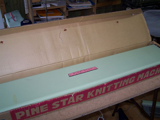 Pine Star Knitting Machine Box