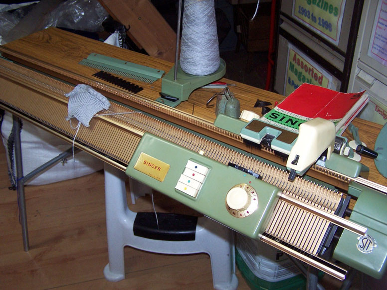 Singer Double Bed Knitting Machine