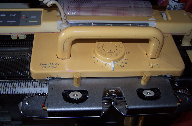 Older Knitmaster 580 carriage
