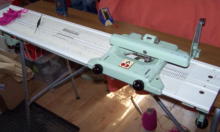Pingouin Knitting Machine