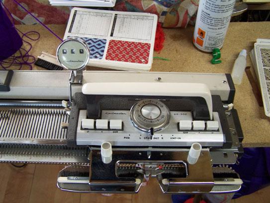 Knitmaster 302