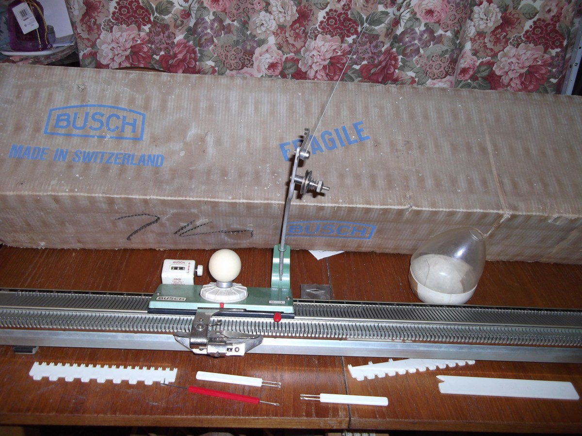 Busch Knitting Machine Box