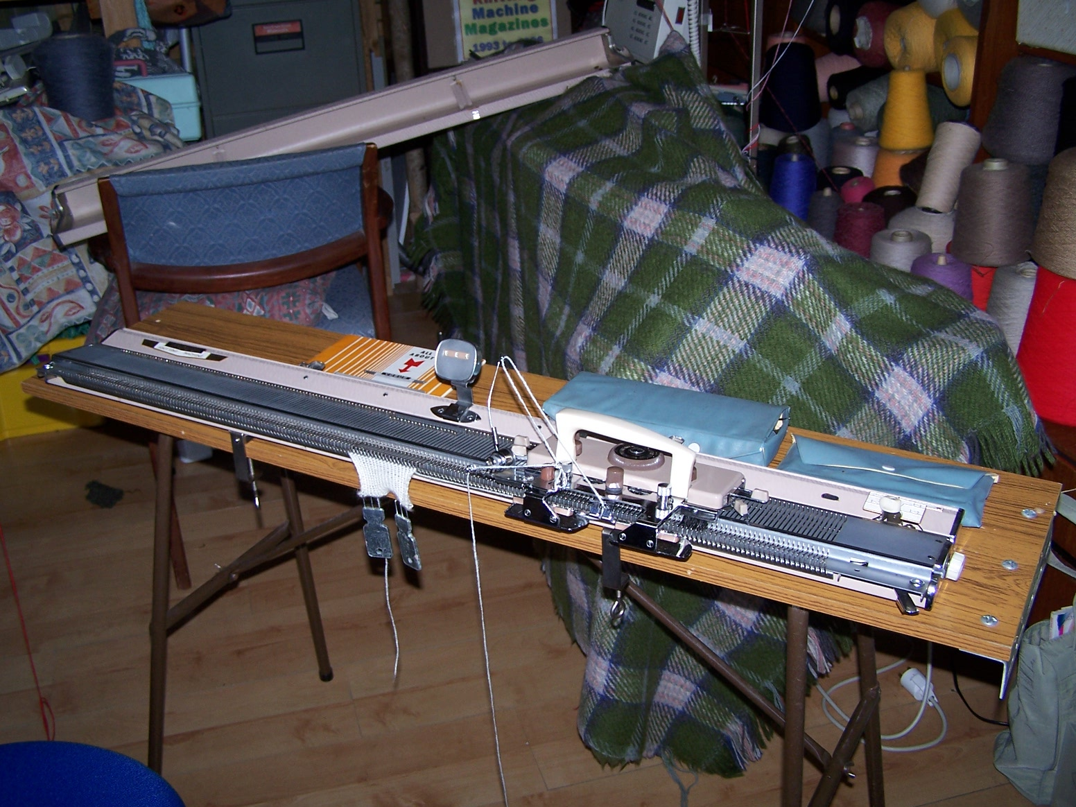 Vogue Knitting Machine