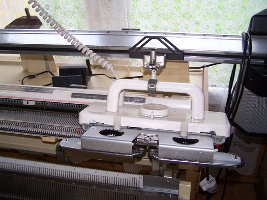 Knitmaster 580 Electronic Machine