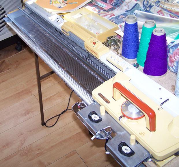 Knitmaster 260 Punchcard Knitting Machine
