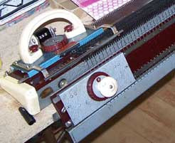 Knitmaster 4500 carriage with ribber