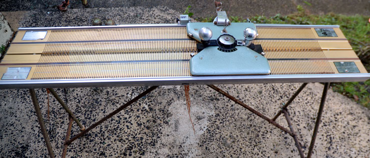 Prior Purl Knitting Machine