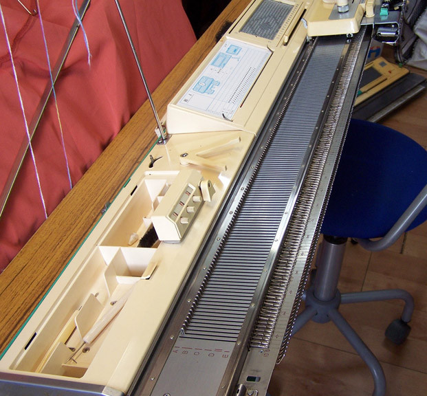 Jones/Brother 800 Knitting Machine