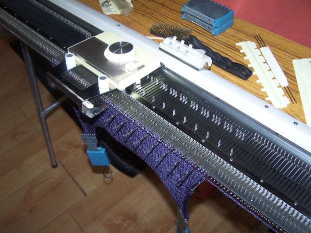 Knitmaster 250 Pattern Selector in operation