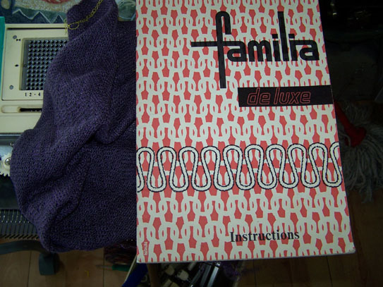 Familia Knitting Machine