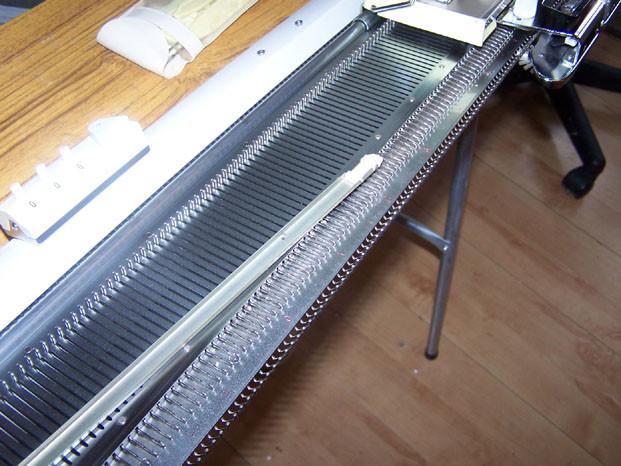 Knitmaster 250 Needle Retainer Bar