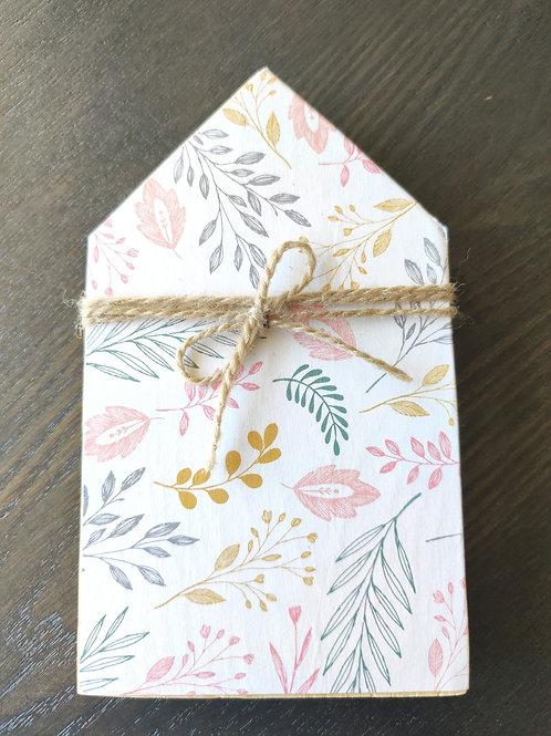 "Light Floral Mini Wood House 6"""
